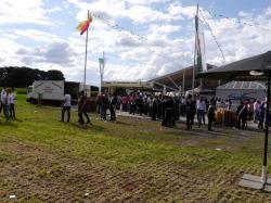 001_07-30-2017-ausholen_neues_königspaar_und_parade