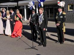 050_07-30-2017-ausholen_neues_königspaar_und_parade