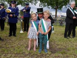 005_07-30-2017-ausholen_neues_königspaar_und_parade