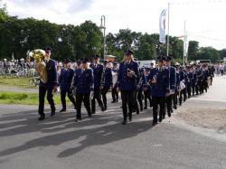 021_07-30-2017-ausholen_neues_königspaar_und_parade