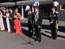 049_07-30-2017-ausholen_neues_königspaar_und_parade