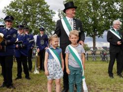 006_07-30-2017-ausholen_neues_königspaar_und_parade