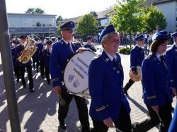 089_07-30-2017-ausholen_neues_königspaar_und_parade
