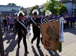 069_07-30-2017-ausholen_neues_königspaar_und_parade