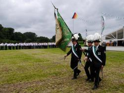 K640_018_07-29-2017-antreten-des_bataillons_ausholen_königspaar