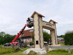 K800_06-27-28-2014-Der Aufbau der Torbögen_36
